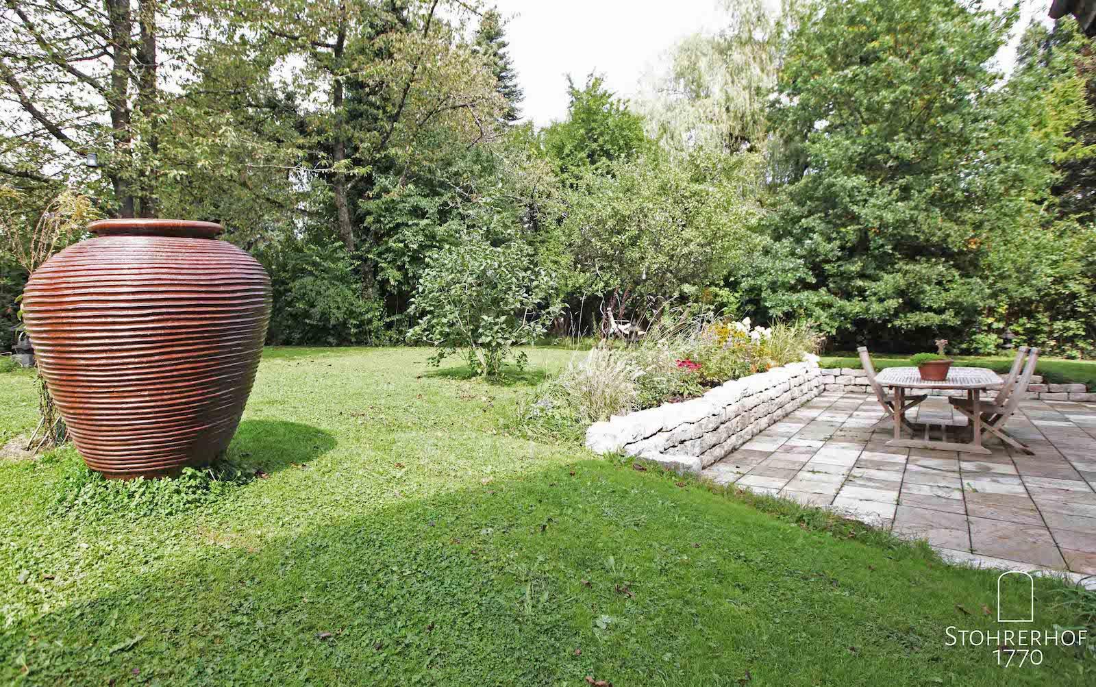 49-Garten-mit-großer-Terrasse-2-K