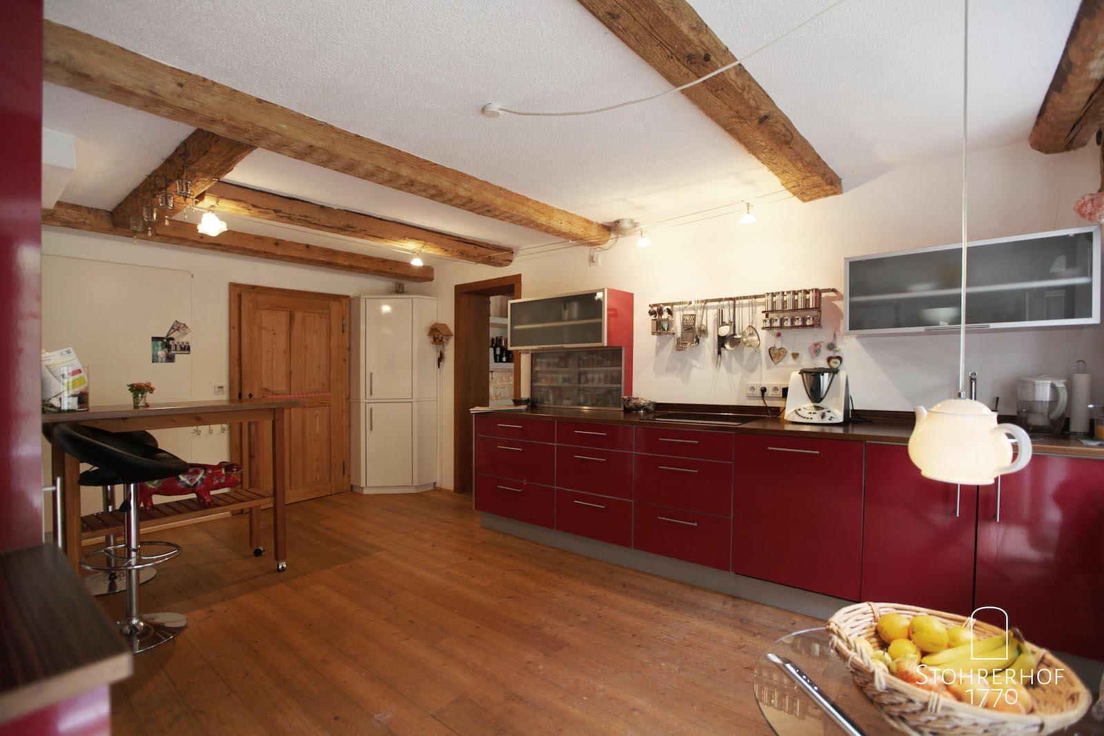 7-Küche-von-Terrasse-aus-K