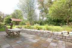 48-Garten-mit-großer-Terrasse-1-K Gut Stohrerhof