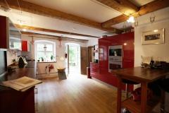 Großzügige Küche im Gut Stohrerhof am Ammersee