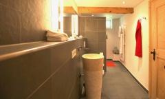 Geschmackvolles Bad im Erdgeschoss Gut Stohrerhof