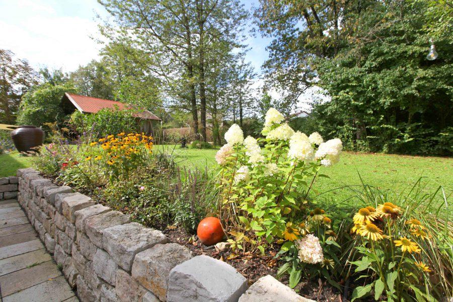 Blumenbeet im Garten Gut Stohrerhof